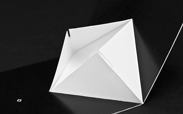 Đen và Trắng - Thiết kế bao bì phong cách tối giản