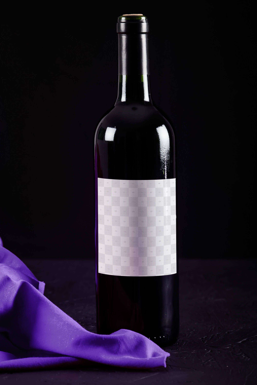 PSD Mockup Chai Rượu