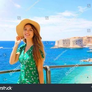 240 ngàn hình ảnh cô gái trẻ Châu Âu chất lượng cao trên Shutterstock