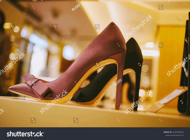 97 ngàn hình ảnh giày nữ chất lượng cao trên Shutterstock